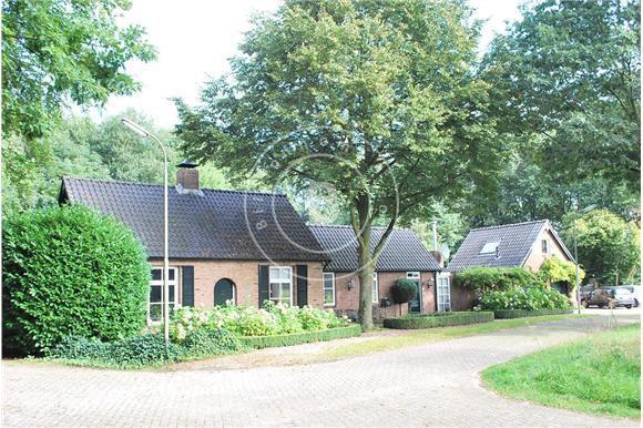 Witte Keuken In Prachtige Ruime Opstelling : Heikant 47 - 4909 AP ...